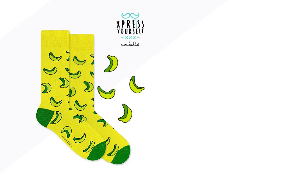 Zółte skarpetki w zielone banany